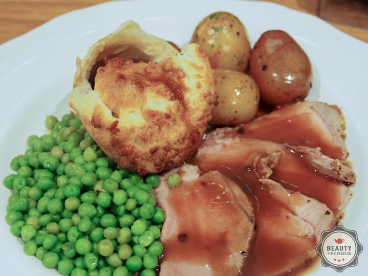 BeautyandtheFeast Yorkshire Puddings-4.jpg