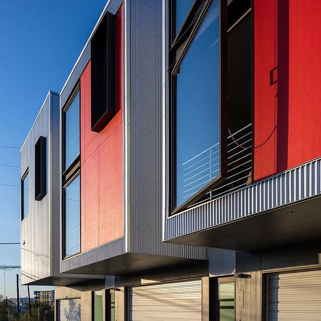 Delgany 5 . . . . #davisurban  #architecture  #modernliving  #naturallight  #RiNo  #homegoals 📸 @jc_buck