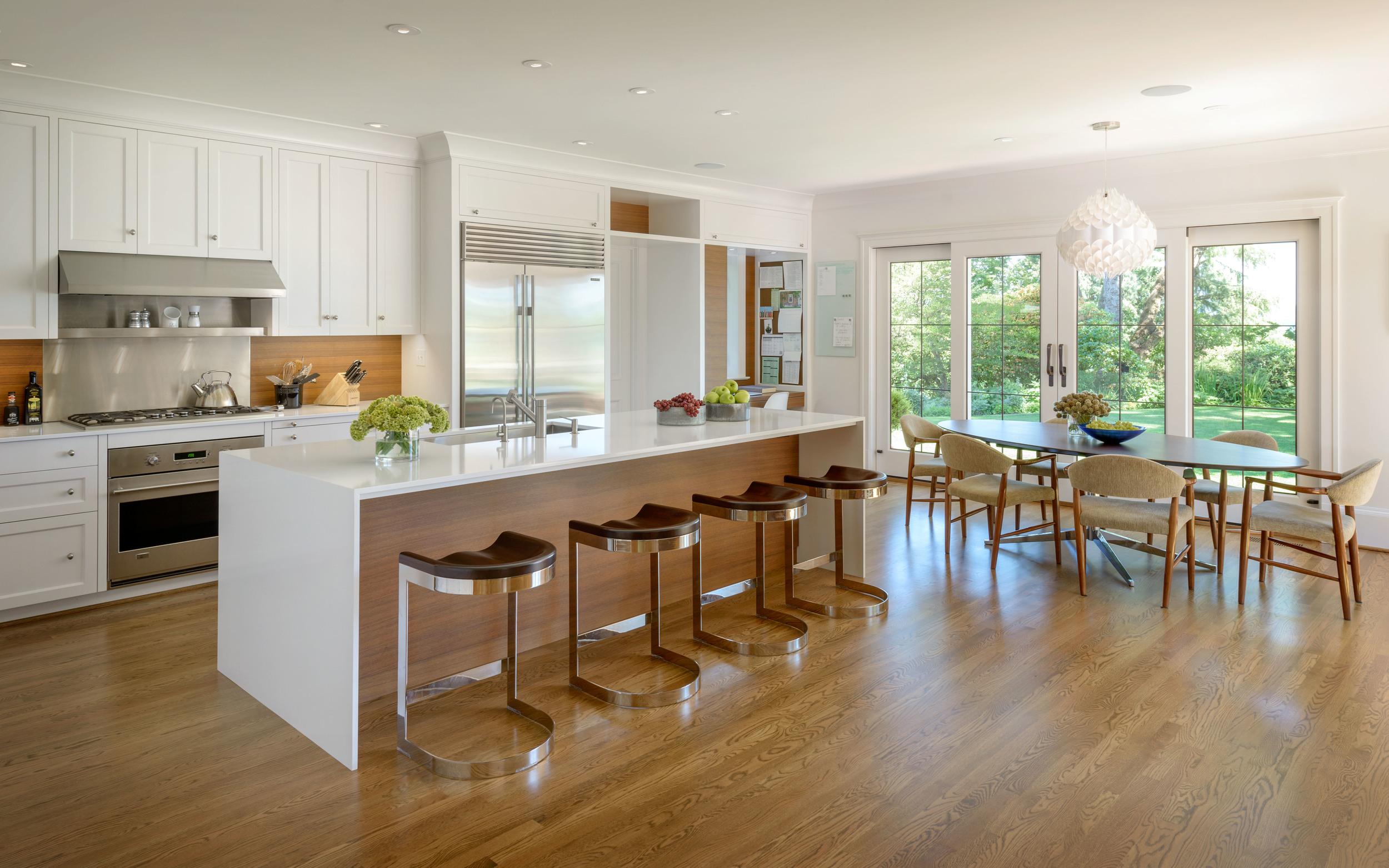 Designer: Madison Park Interiors   Architect: Conard Romano Architects   Photographer: Aaron Lietz