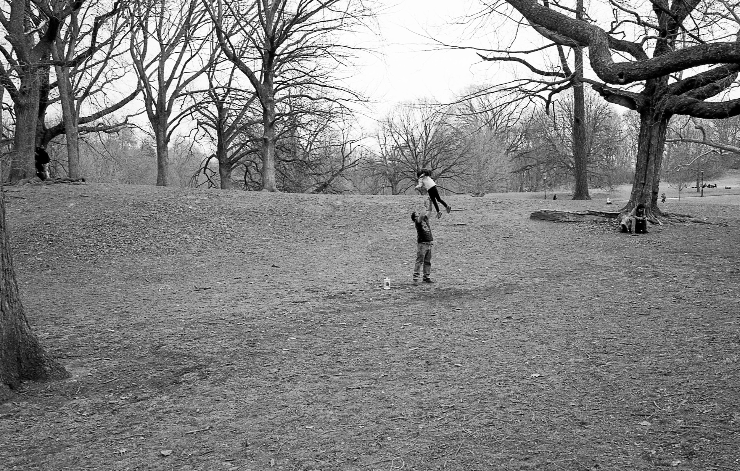 father and child park b-w 2.jpg