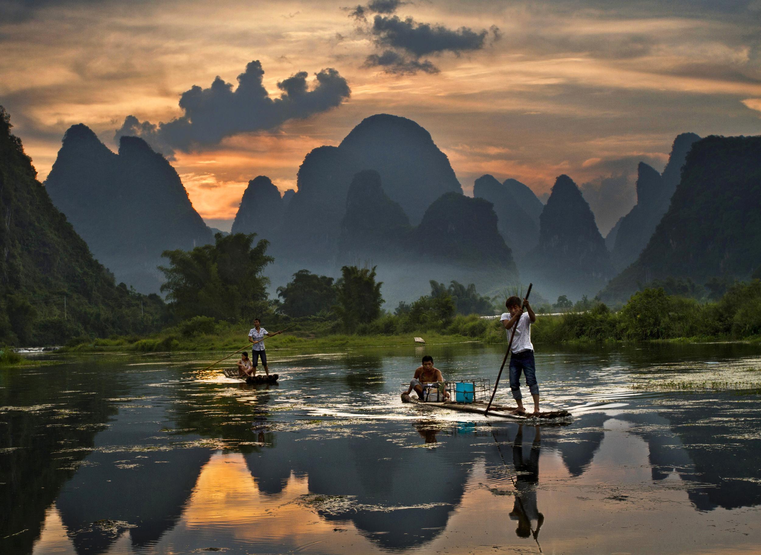 yangshuo raft.jpg