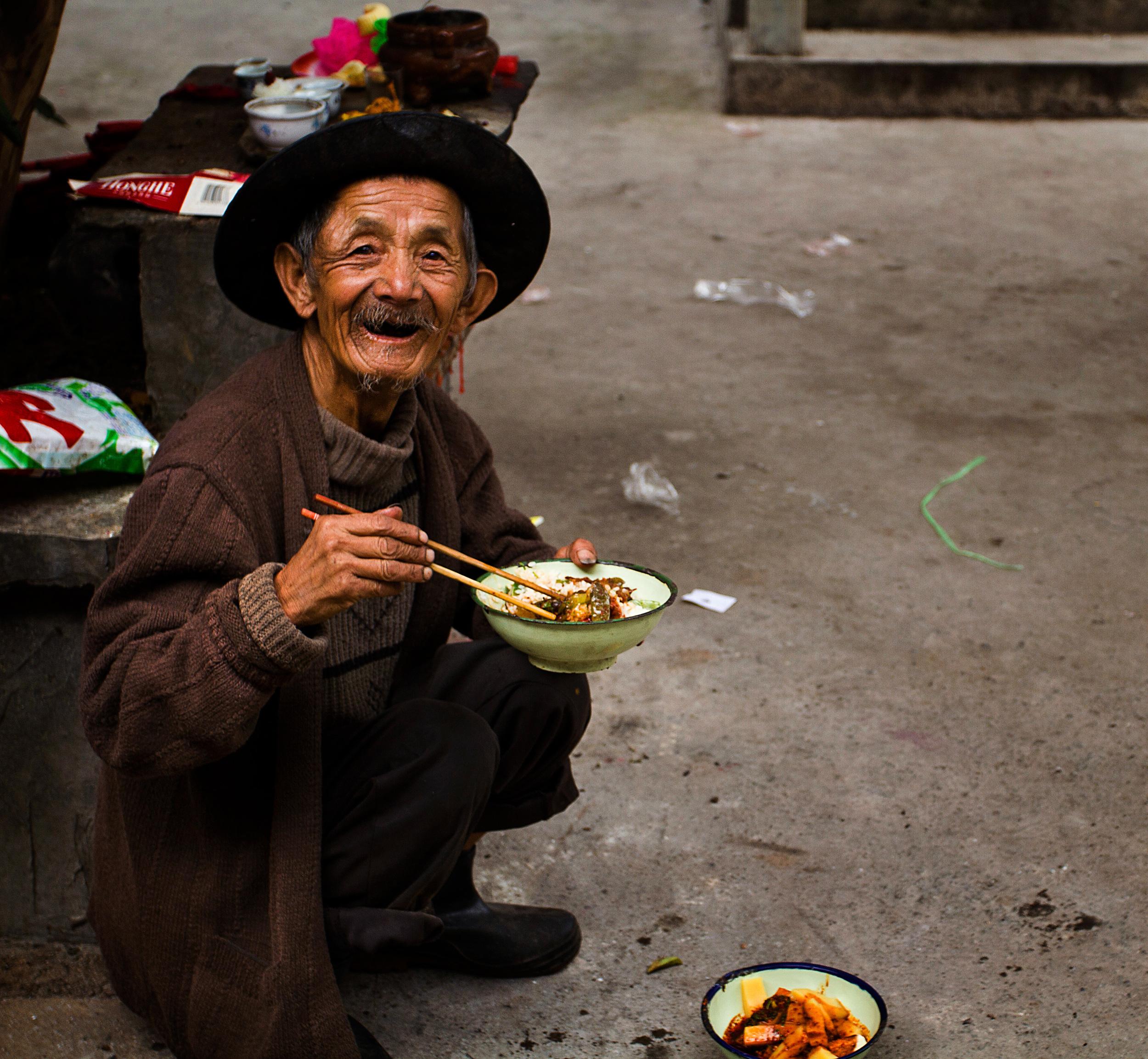man eating.jpg