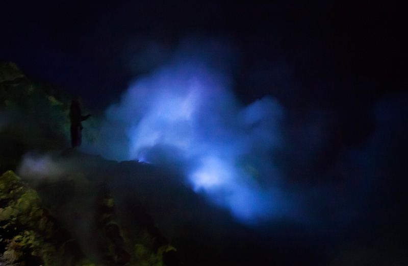it was hard to get a good shot of the blue flame, but this is what I got