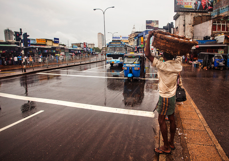 The streets of Colombo, tuk-tuks and busses