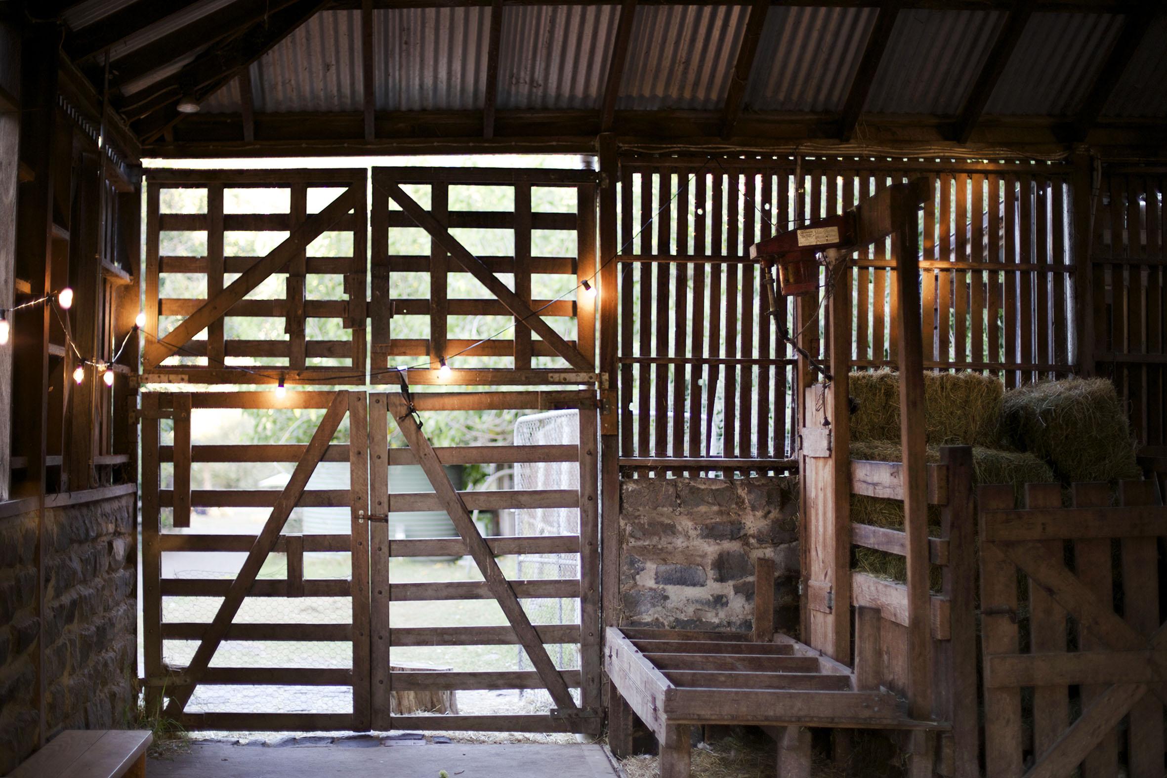 wedding melbourne barn.jpg