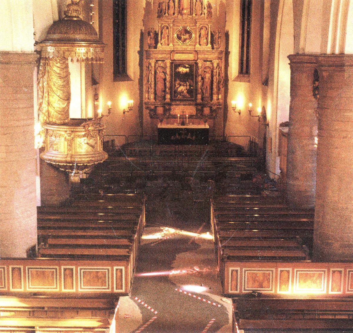 Altaret kontast 1200.jpg