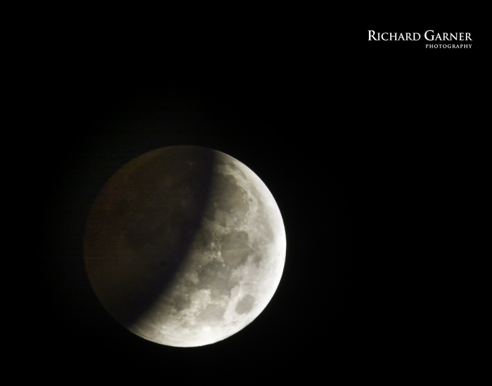 Lunar eclipse early stage OCT 14-1-141008-2739 x 2152.jpg