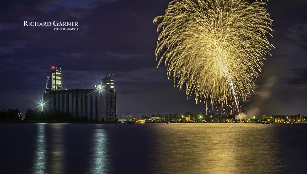Canada Day fireworks-1-3.jpg