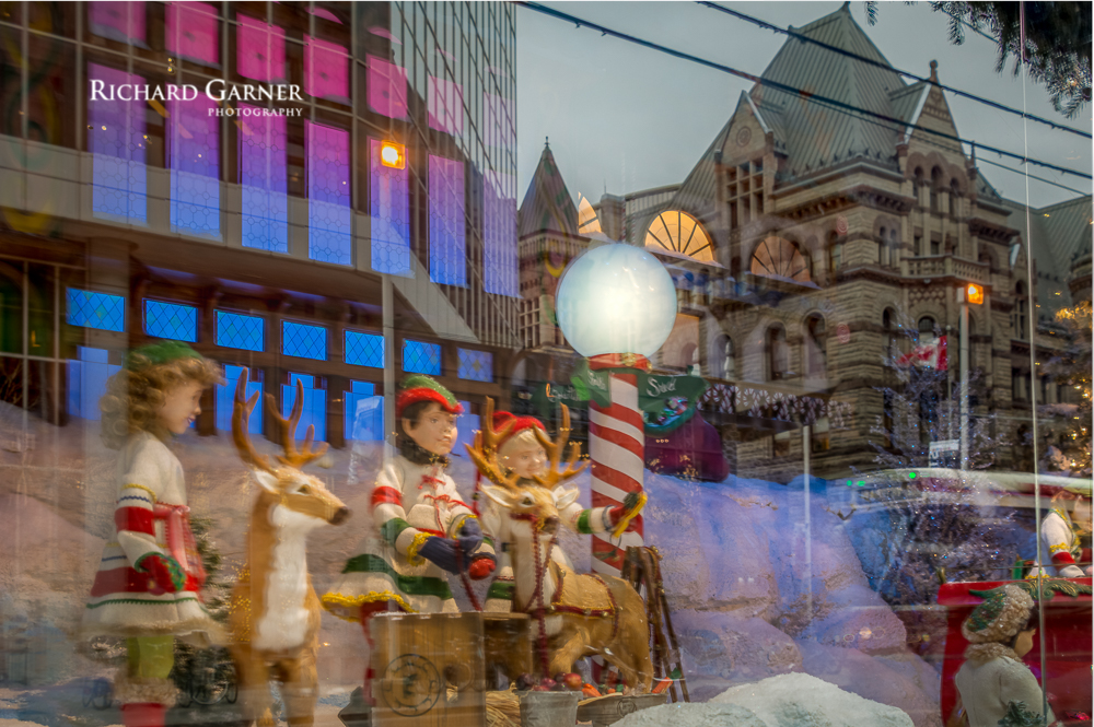 Sear Christmas window-151215-1.jpg