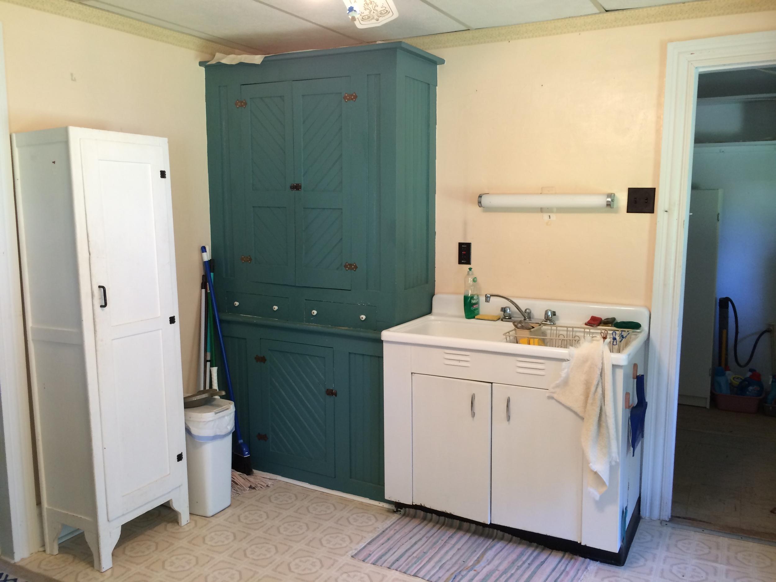 Kitchen 1 Cupboard & Sink.JPG