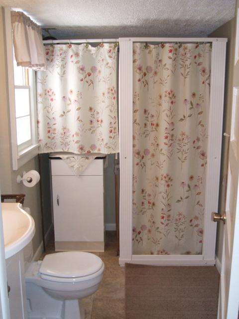 MG BAthroom 1.jpg