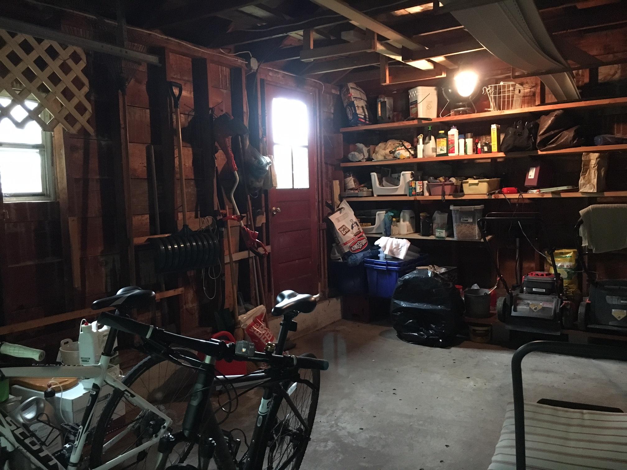 garageinside.JPG
