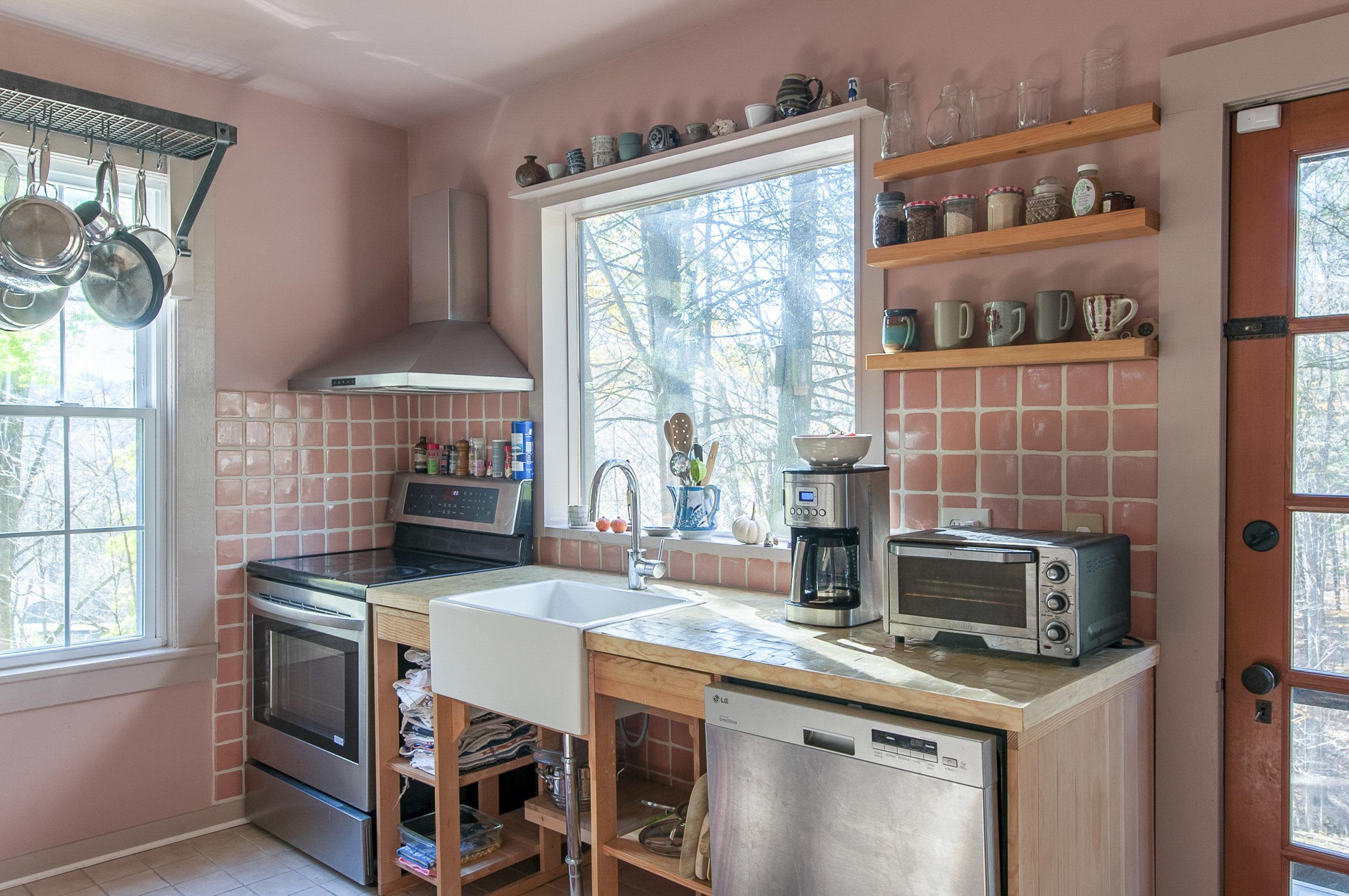 kitchenclose1.jpg