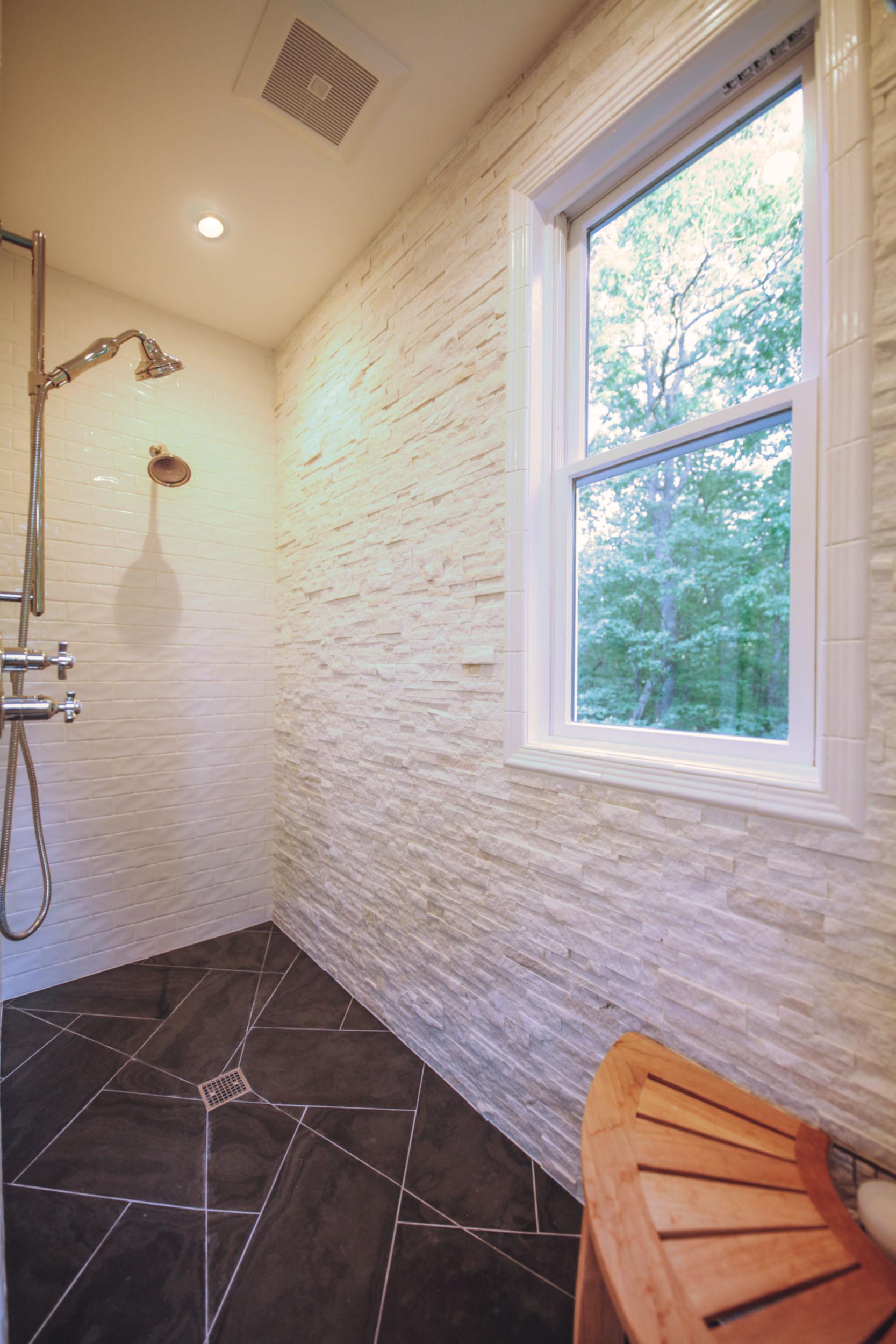 Image 17Alt Master Shower (Black Forest 20).jpg