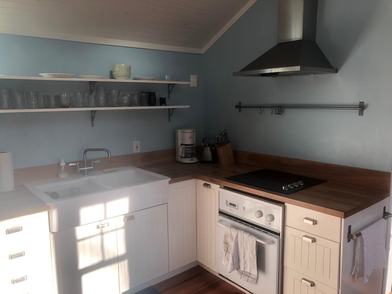 SmallwoodCabin - Kitchen3.jpg