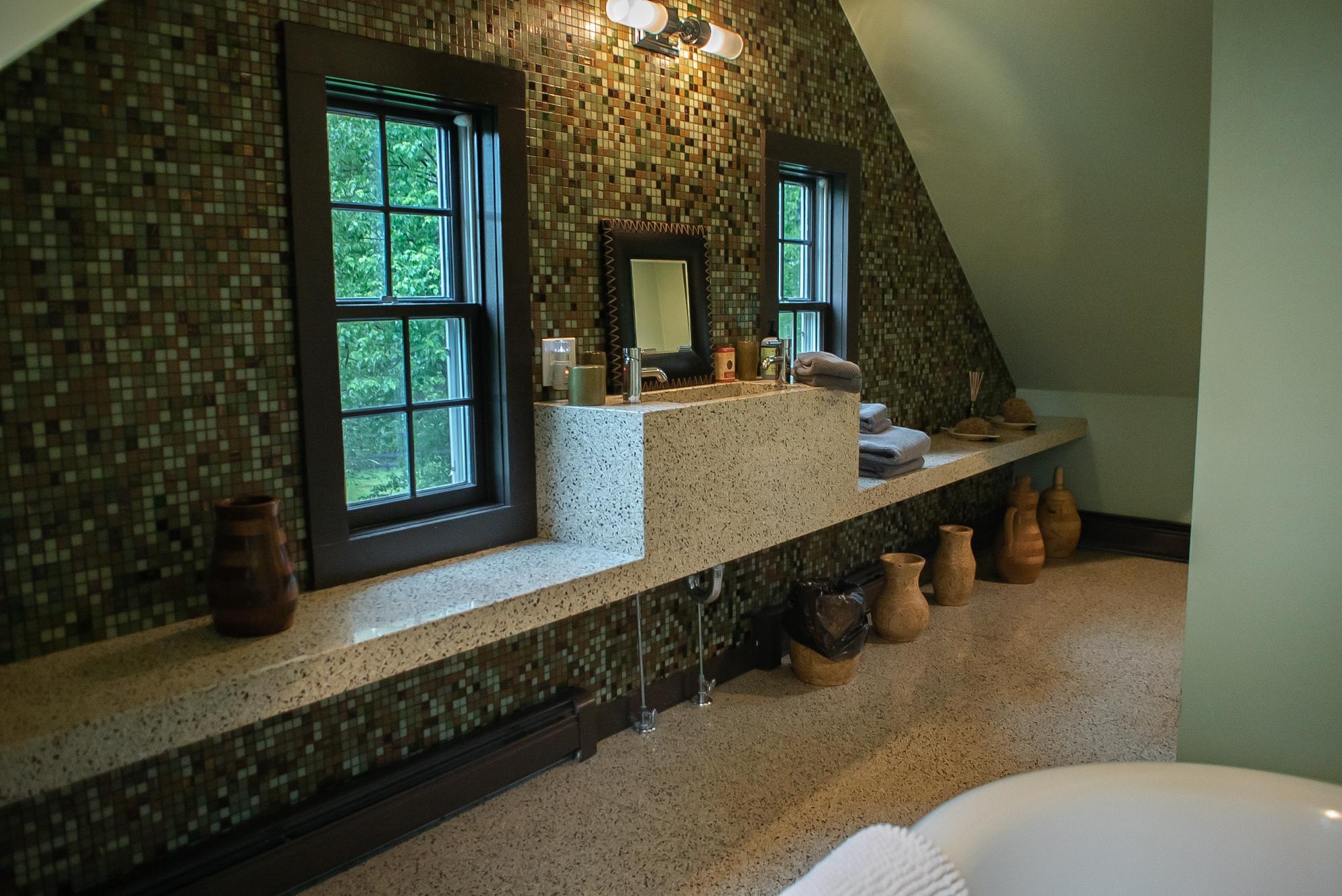 bath4c.jpg