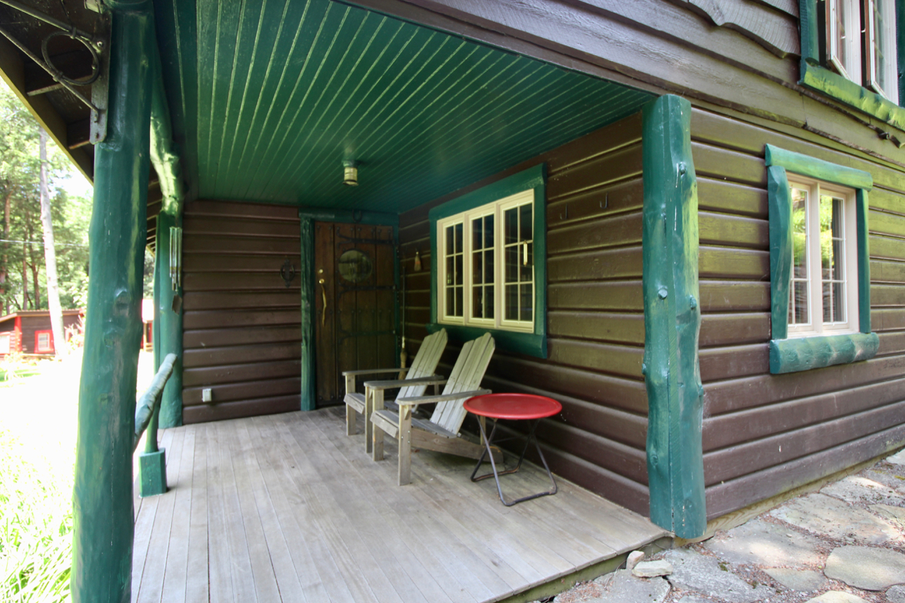 2 cabins on 34 acres for sale in Livingston Manor, in The