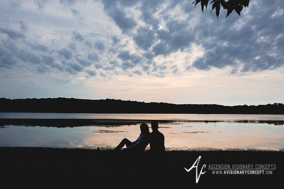 Rochester Engagement Photography 005 - Mendon Ponds Park.jpg