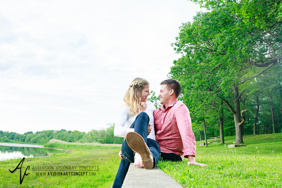 Rochester Engagement Photography 007 - Mendon Ponds Park.jpg