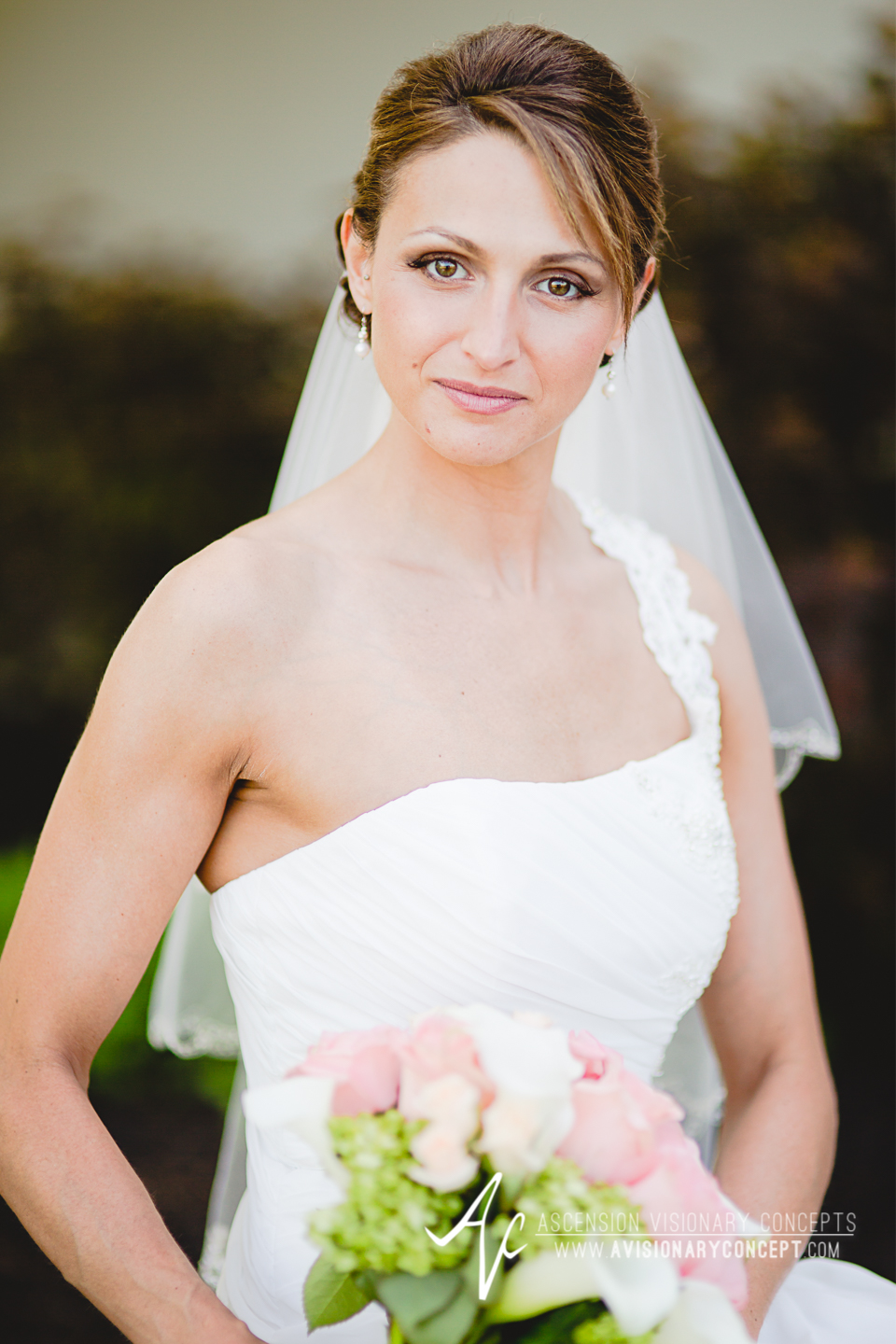 Buffalo Wedding Photography 22 Diamond Hawk Golf Course - Beautiful Bride Portrait.jpg