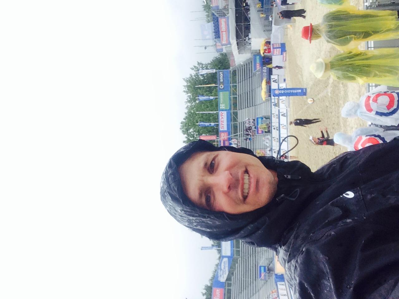 Thanks to ASICS storm shelter jacket I was dry!!!
