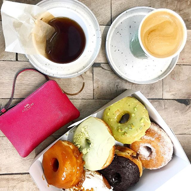 Nothing beats Suzy Qs doughnuts 🤤🤤🤤pistachio, carrot cake, and that chocolatey one are my favvvvv. I totally didn't eat all three in one sitting though... ;) . . . . . . . . . #ottawa #ottawaeats #ottawafoodies #ottawalife #food #doughnuts #foodie #abmlifeiscolorful #doughnuts🍩 #yum #ottawablogger #muslimah #muslimgirl #abmlifeiscolorful #suzyq #suzyqdonuts