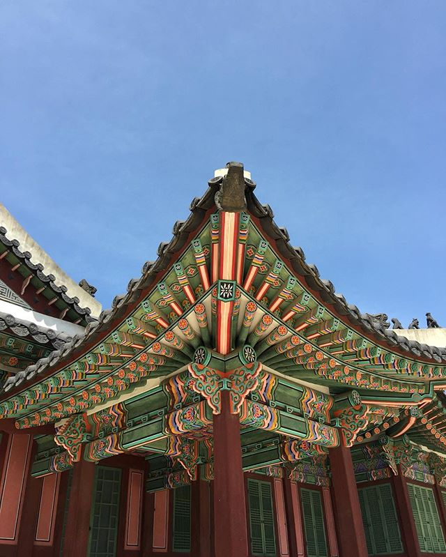 Vibrant ceilings at Changdeokgung