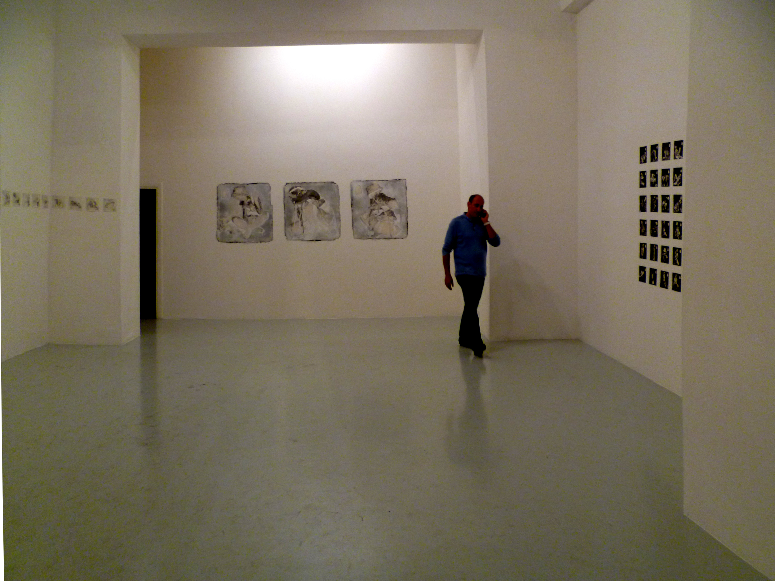 This project is composed of 58 wax narrative drawings of 15x15 cm each,  36 monotypes of 15x15 cm,  36 ink sketches of 15x15 cm,  3 big drawings of 80x80 cm.  Every work is realized on japanese paper, enforced with rice glue and wax