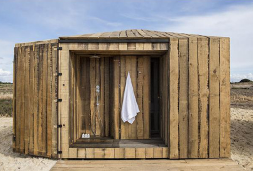 cabanas no rio  by Portuguese architects Aires Mateus 03.jpg