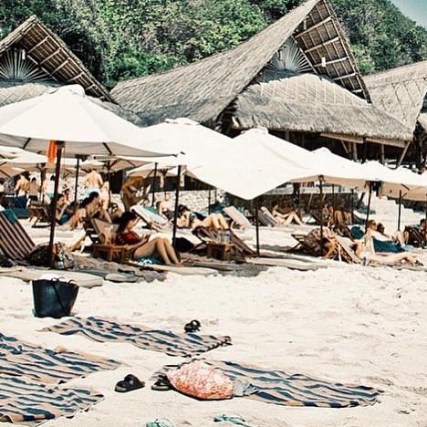 to chill finns beach club