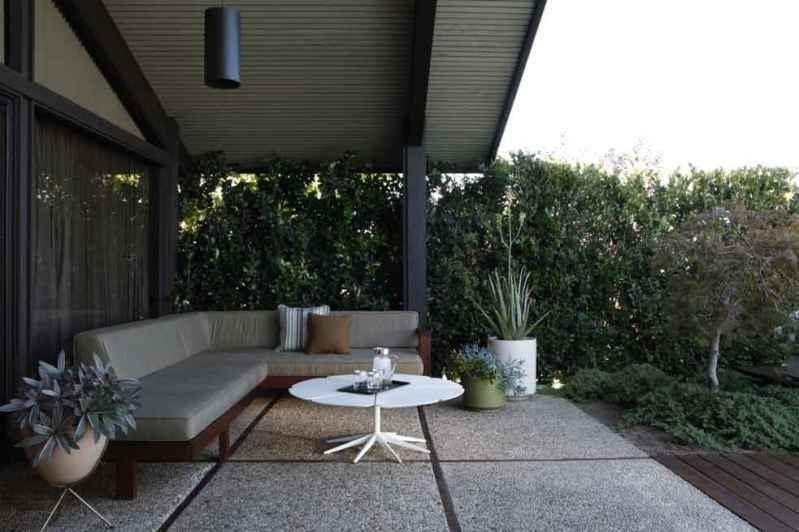 Aziz Ansari-Hong House-Los Feliz Estates5146_LOS_FRANCISCOS_011.0.jpg1_outoor_lounge_2.0.jpg