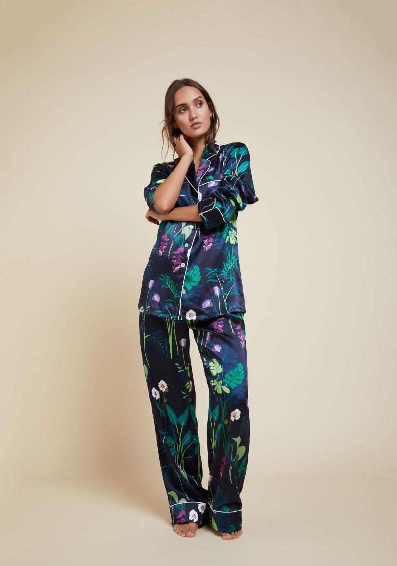 olivia-von-halle-lila-gene-silk-pyjama-navy-front-view-ss1807.jpg