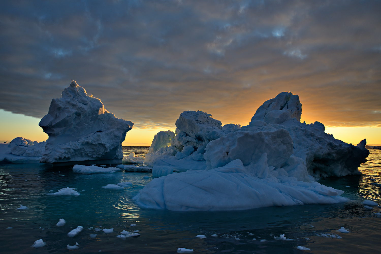 Midnight Sun on Ice