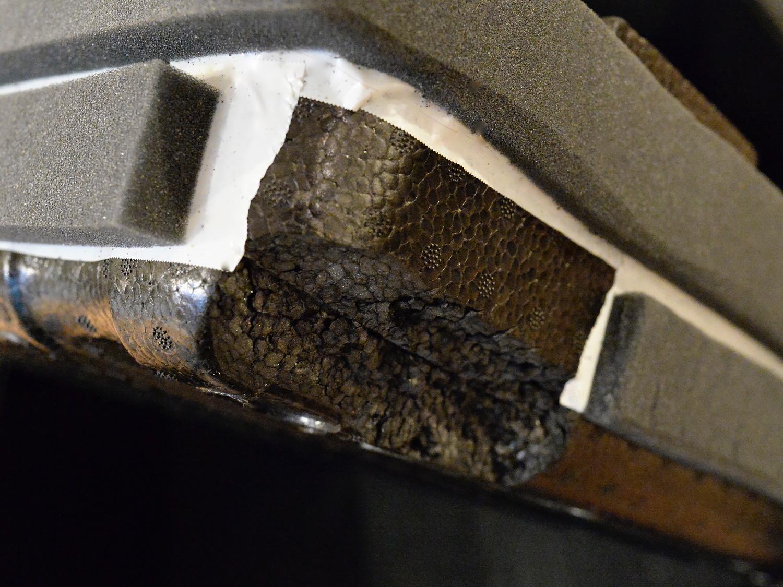 Der DJI Schaumstoff-Einsatz musste mit dem Messer etwas angepasst und mit zusätzlichem Polstermaterial beklebt werden.