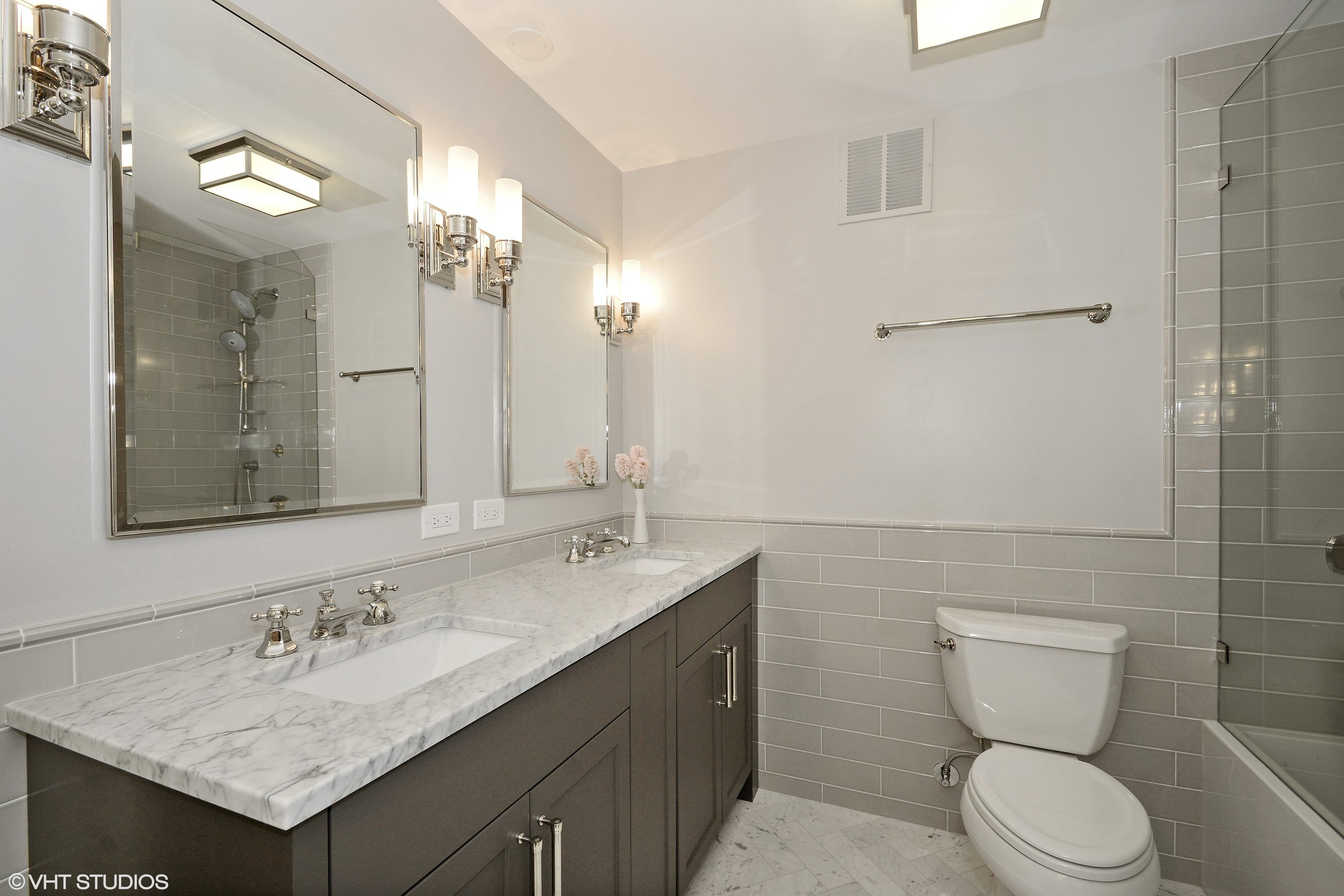 10_155HarborDr_Unit2403_13_MasterBathroom_HiRes.jpg