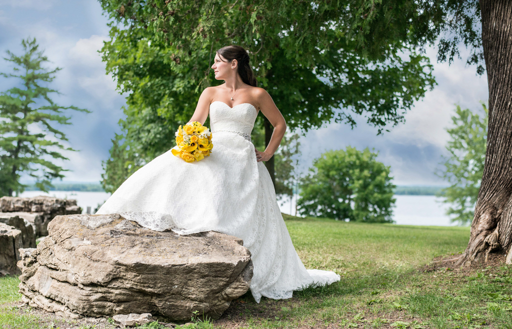 Engagement, Wedding, Photography, Petawawa, Pembroke, Ontario, Ottawa, Professional, Beautiful, Unique, dress, ring, bridal