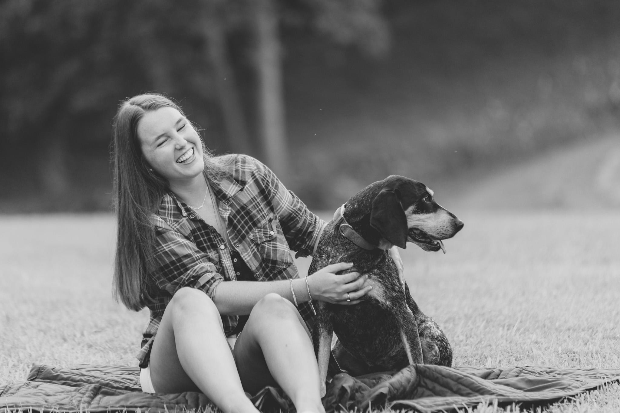 SeniorSession_BigIsland_VA_Lynchburg_farm_huntingdog20150805_0292.jpg