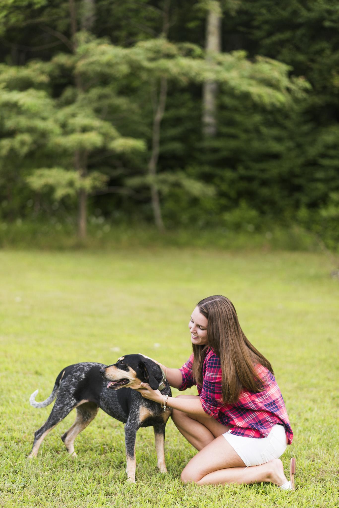 SeniorSession_BigIsland_VA_Lynchburg_farm_huntingdog20150805_0296.jpg
