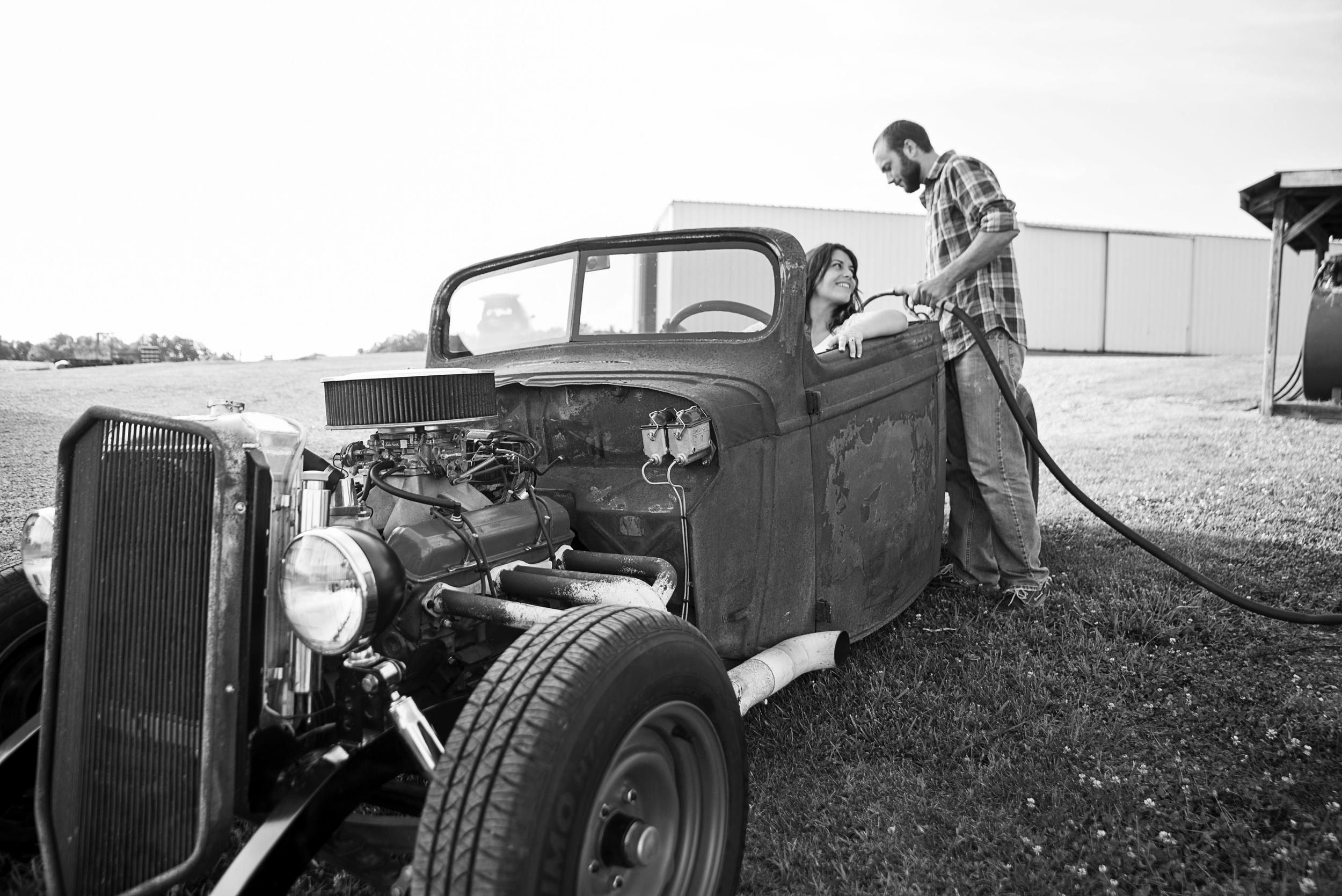 rustic_vintage_barn_engagement_session_north_carolina_lynchburg_va015.jpg