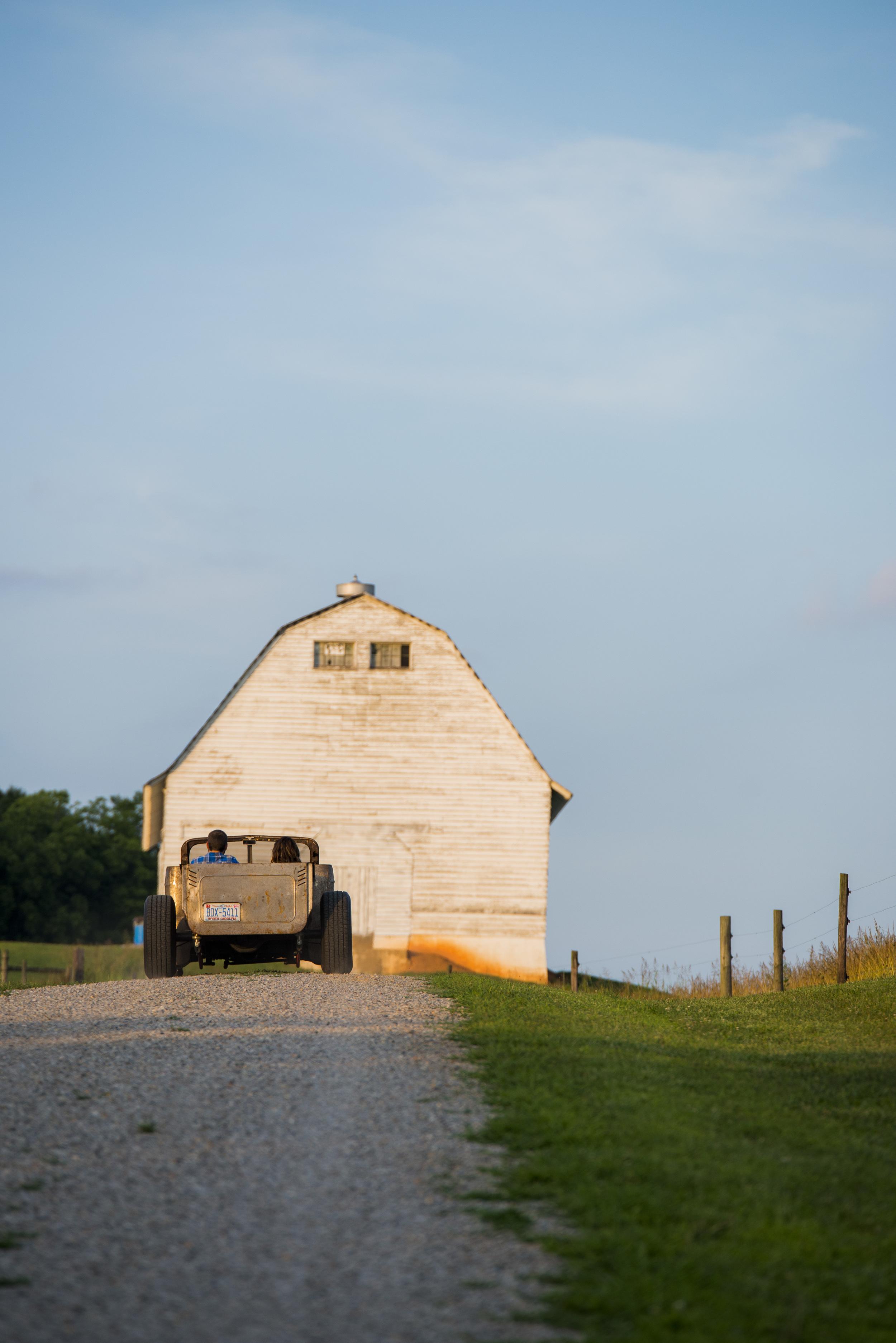 rustic_vintage_barn_engagement_session_north_carolina_lynchburg_va021.jpg