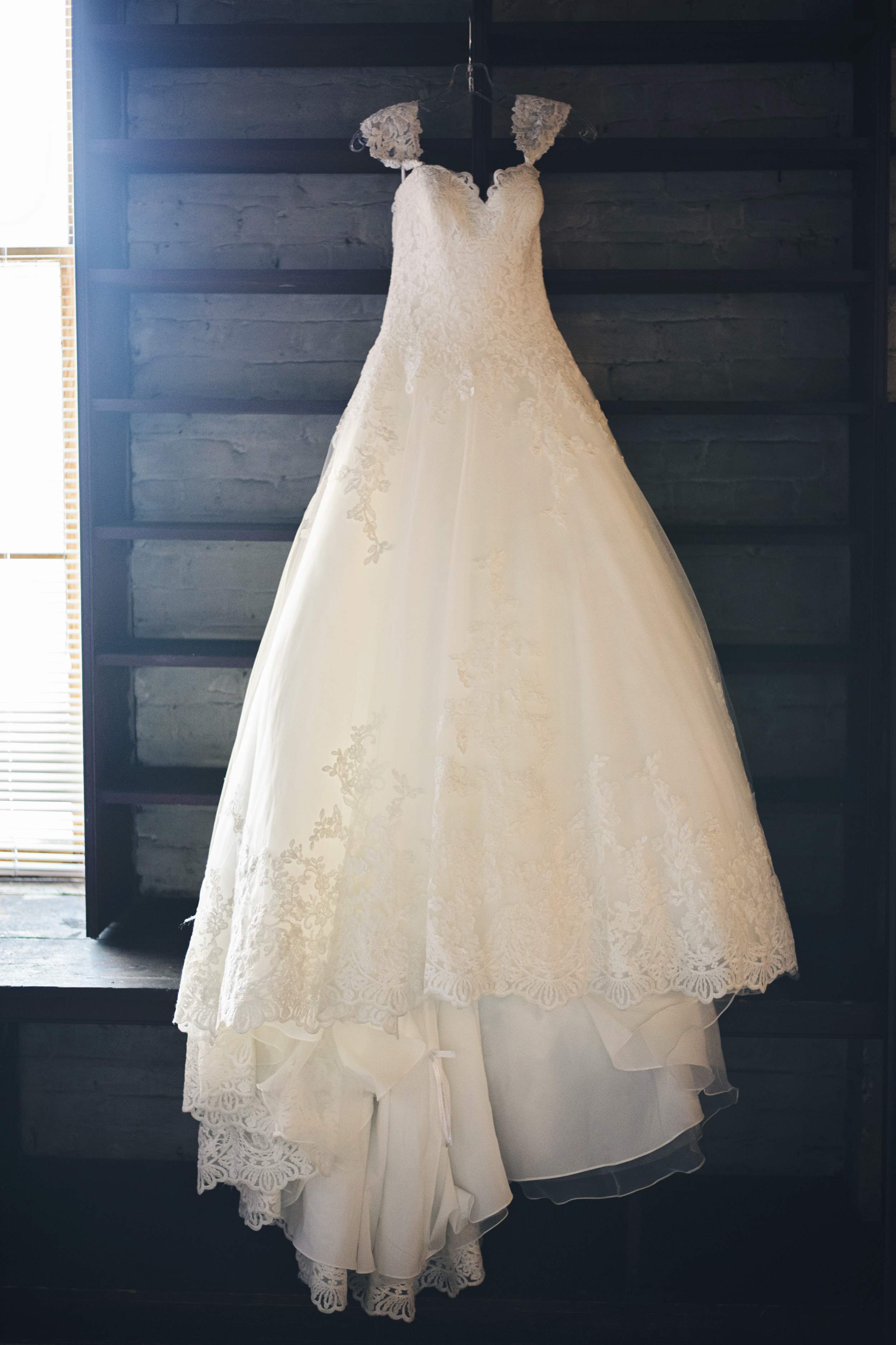 tresca_elegant_downtown_wedding_lynchburg_va002.jpg