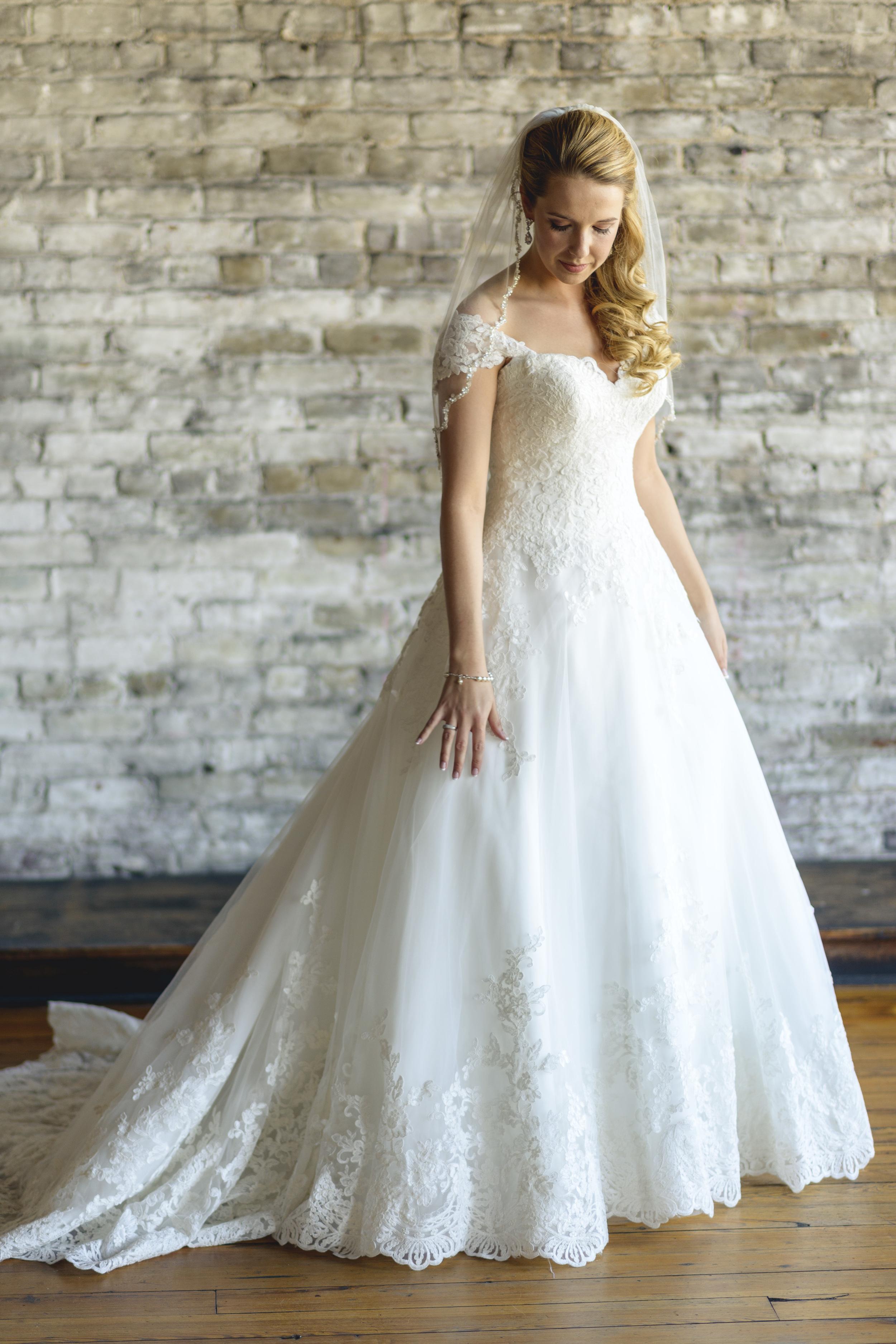 tresca_elegant_downtown_wedding_lynchburg_va009.jpg