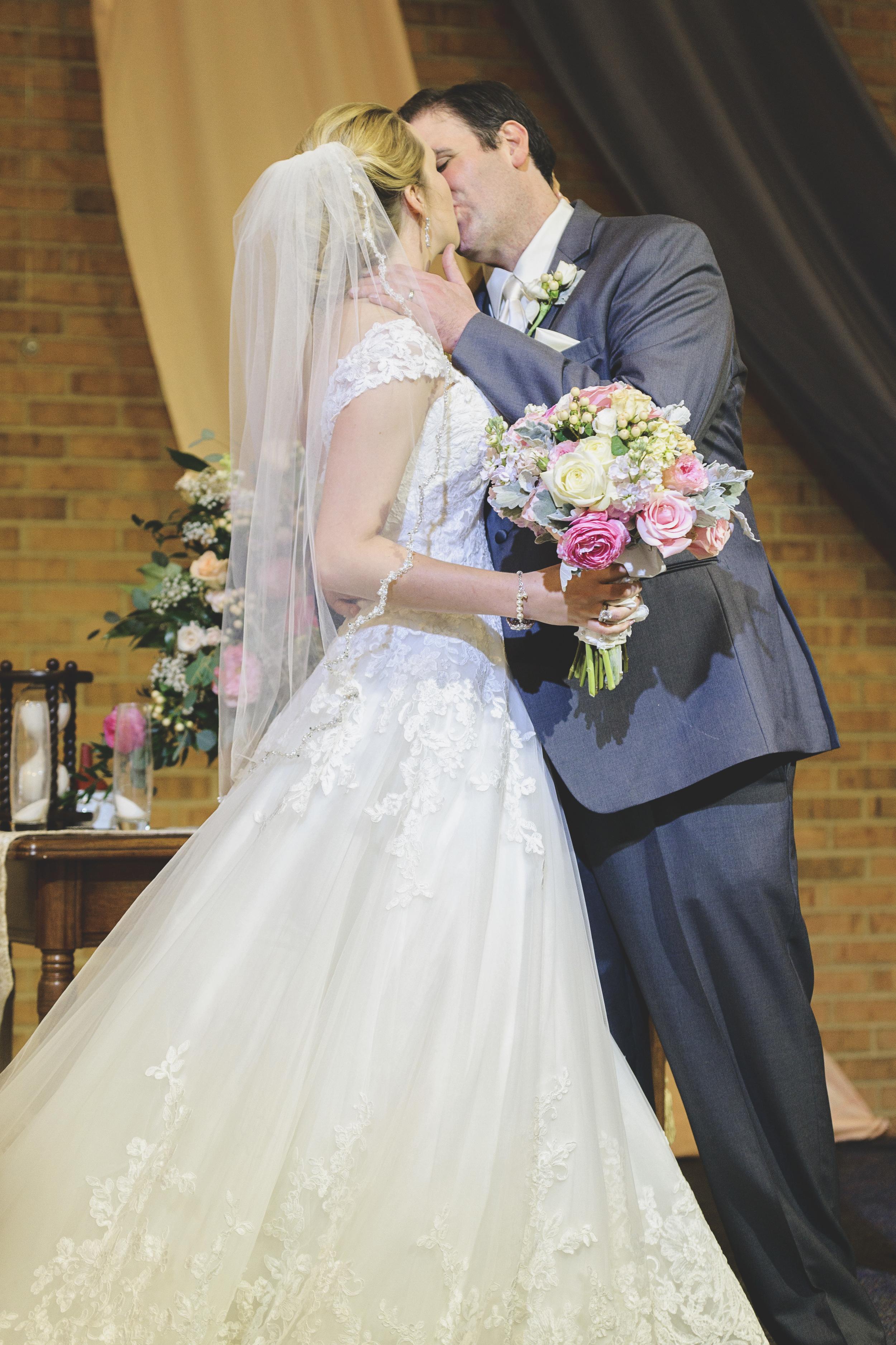 tresca_elegant_downtown_wedding_lynchburg_va024.jpg