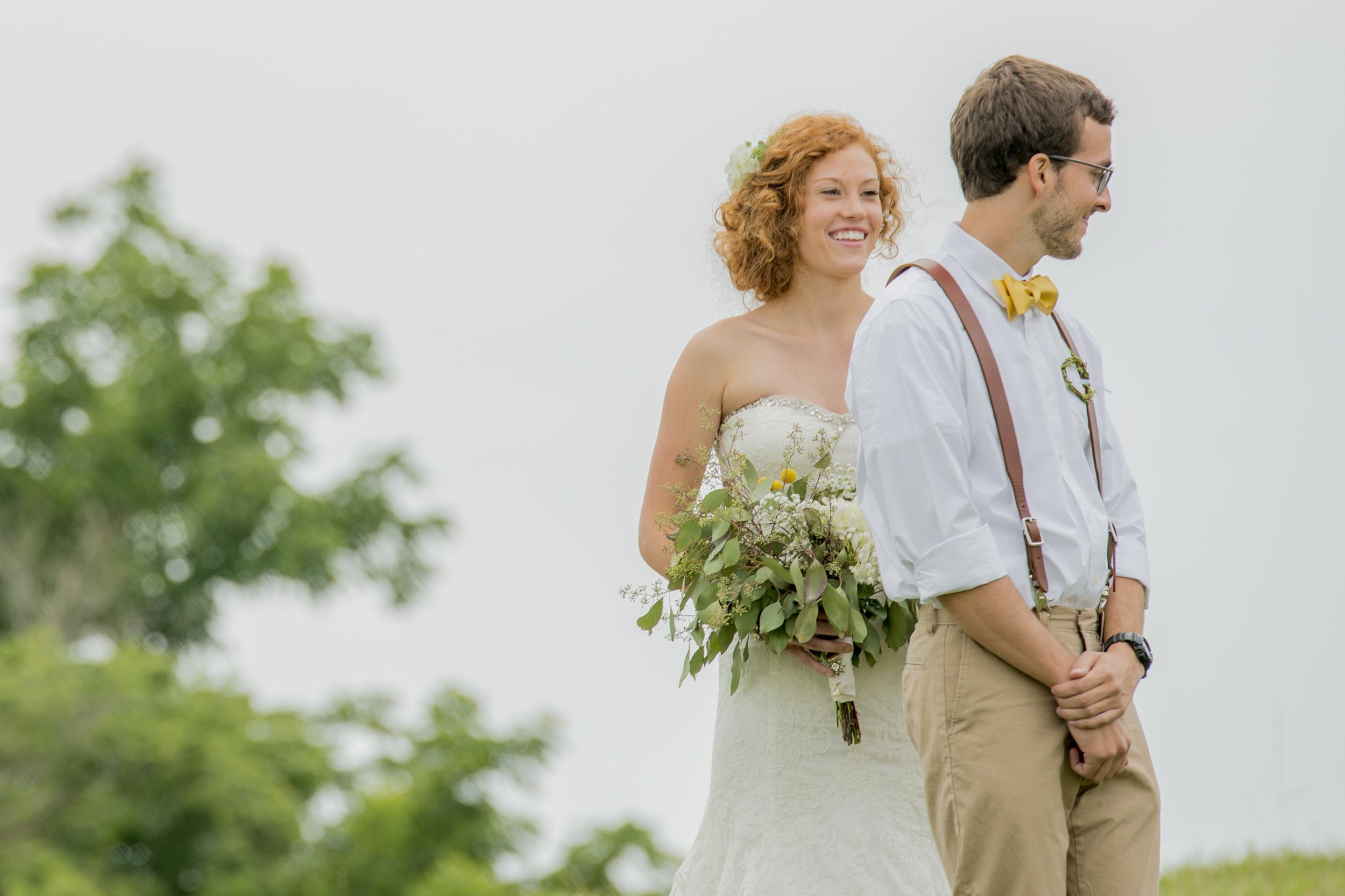 rustic_chic_farm_field__barn_wedding_lynchburg_va024.jpg
