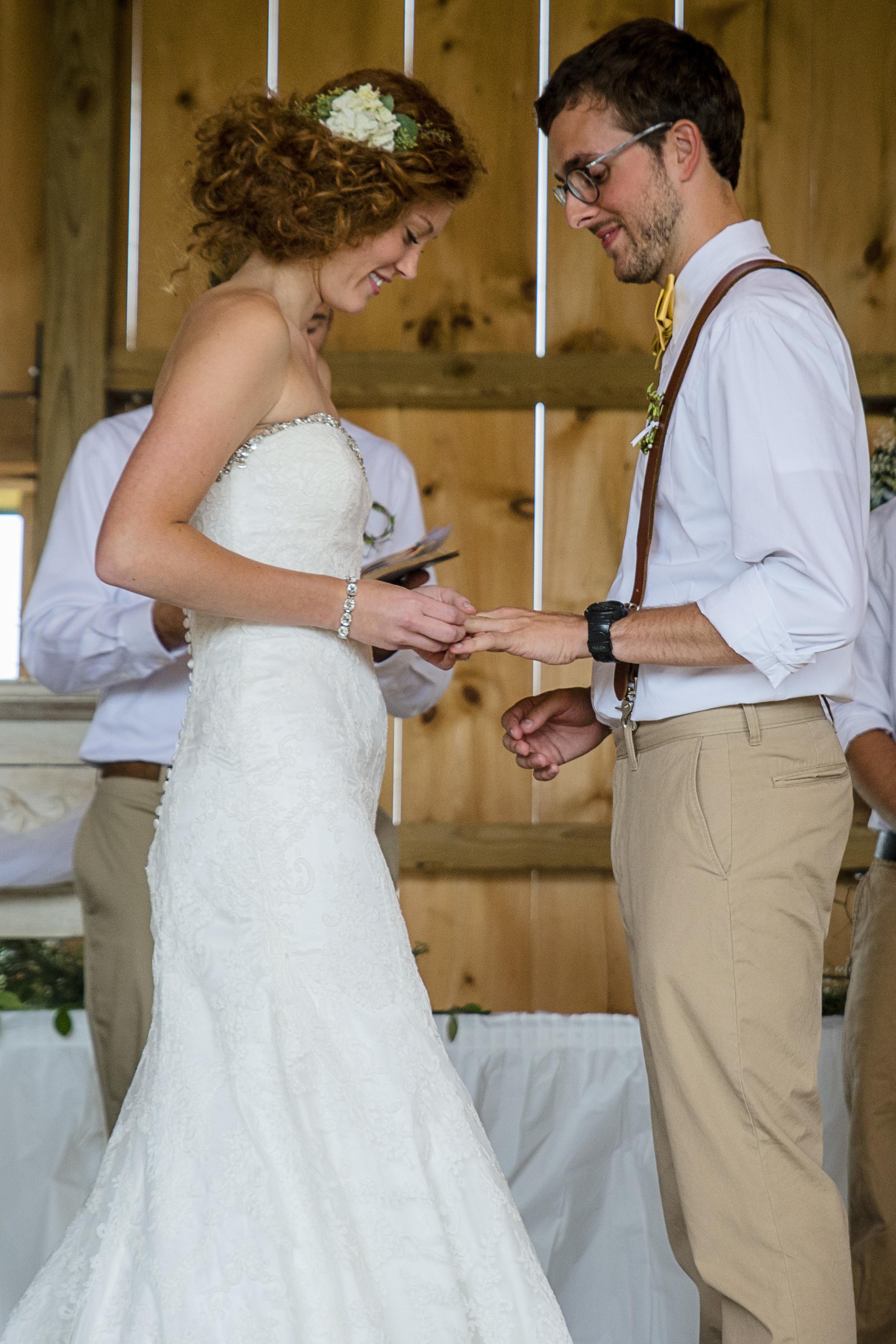 rustic_chic_farm_field__barn_wedding_lynchburg_va028.jpg