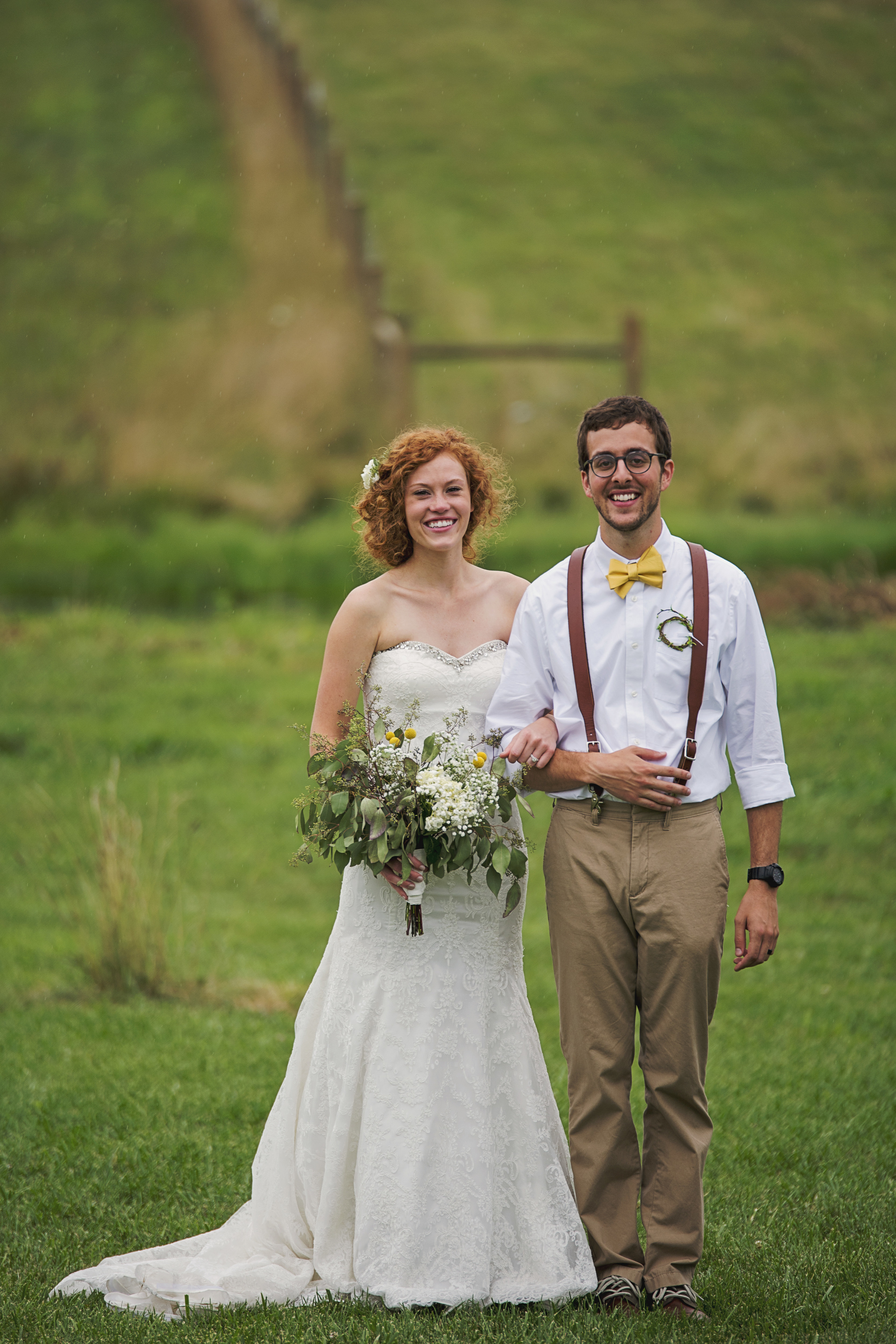 rustic_chic_farm_field__barn_wedding_lynchburg_va034.jpg