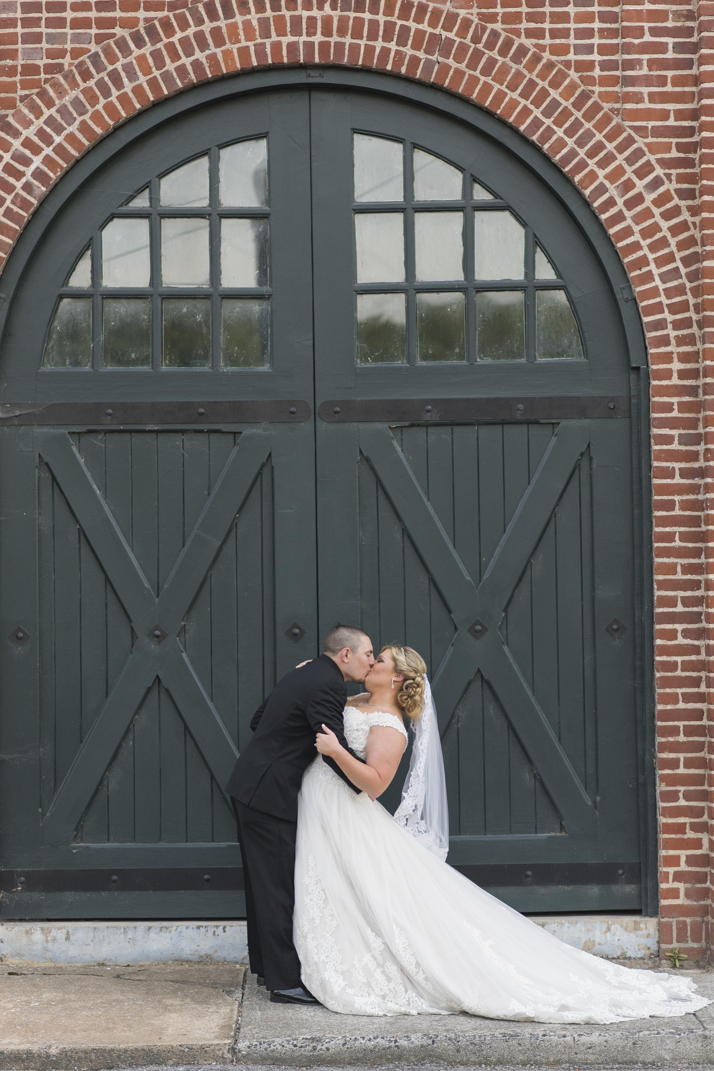 Lynchburg_VA_Wedding_Tresca on 8th_Downtown_Purple_elegant_Photos905.jpg