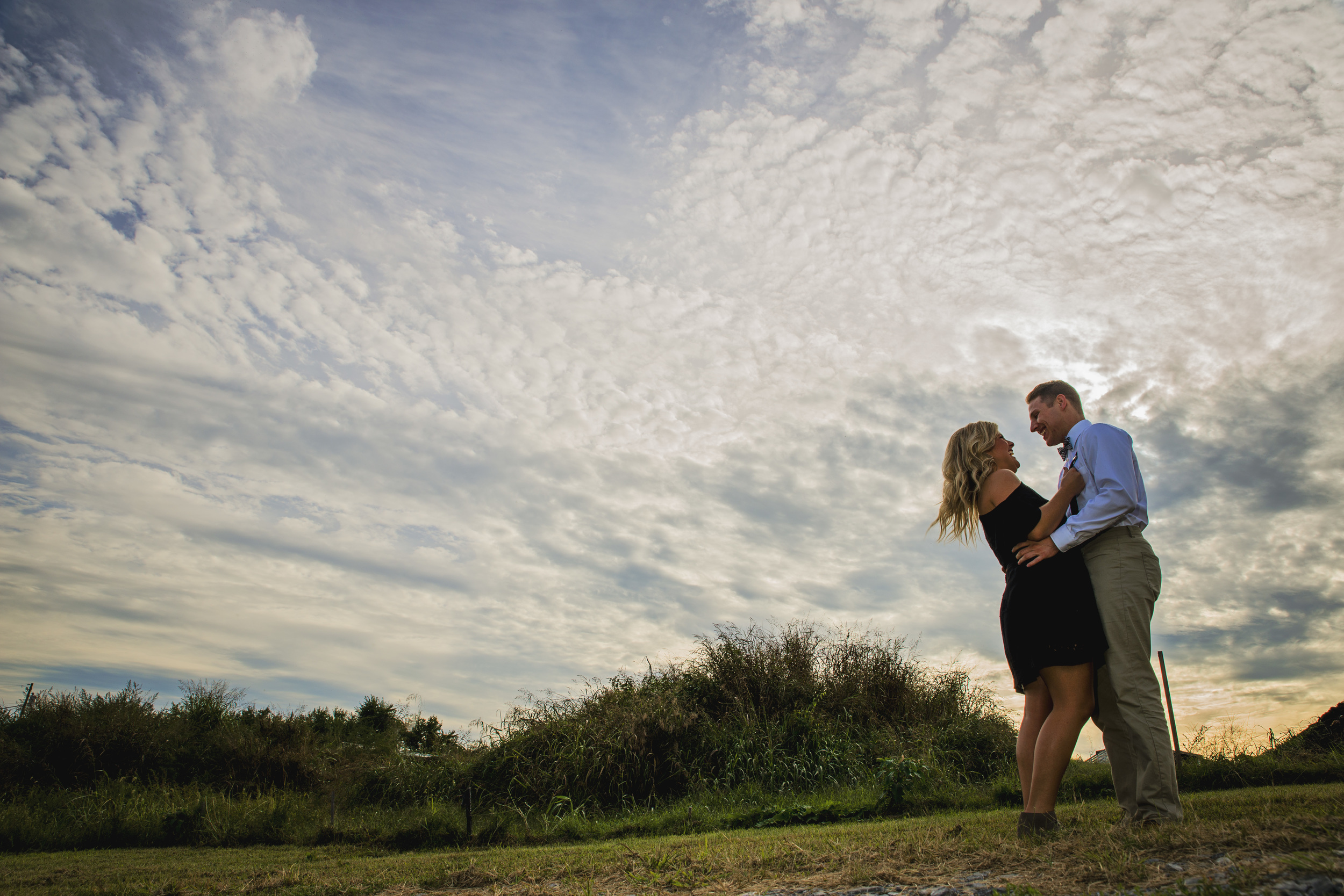 balloons_greenhouse_farm_engagement_session_lynchburg_va009.jpg