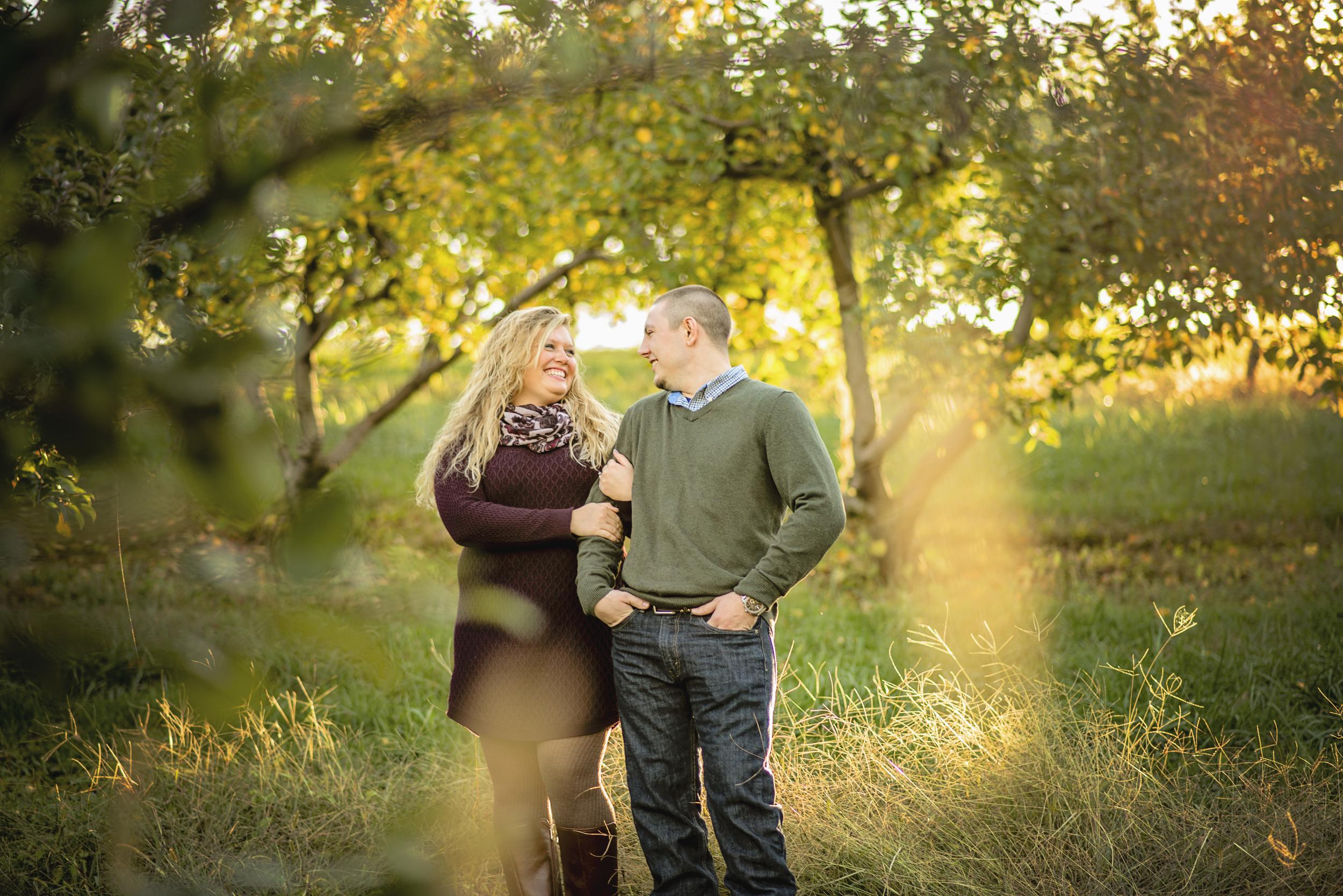 fall_romantic_orchard_engagement_session_lynchburg_va004.jpg
