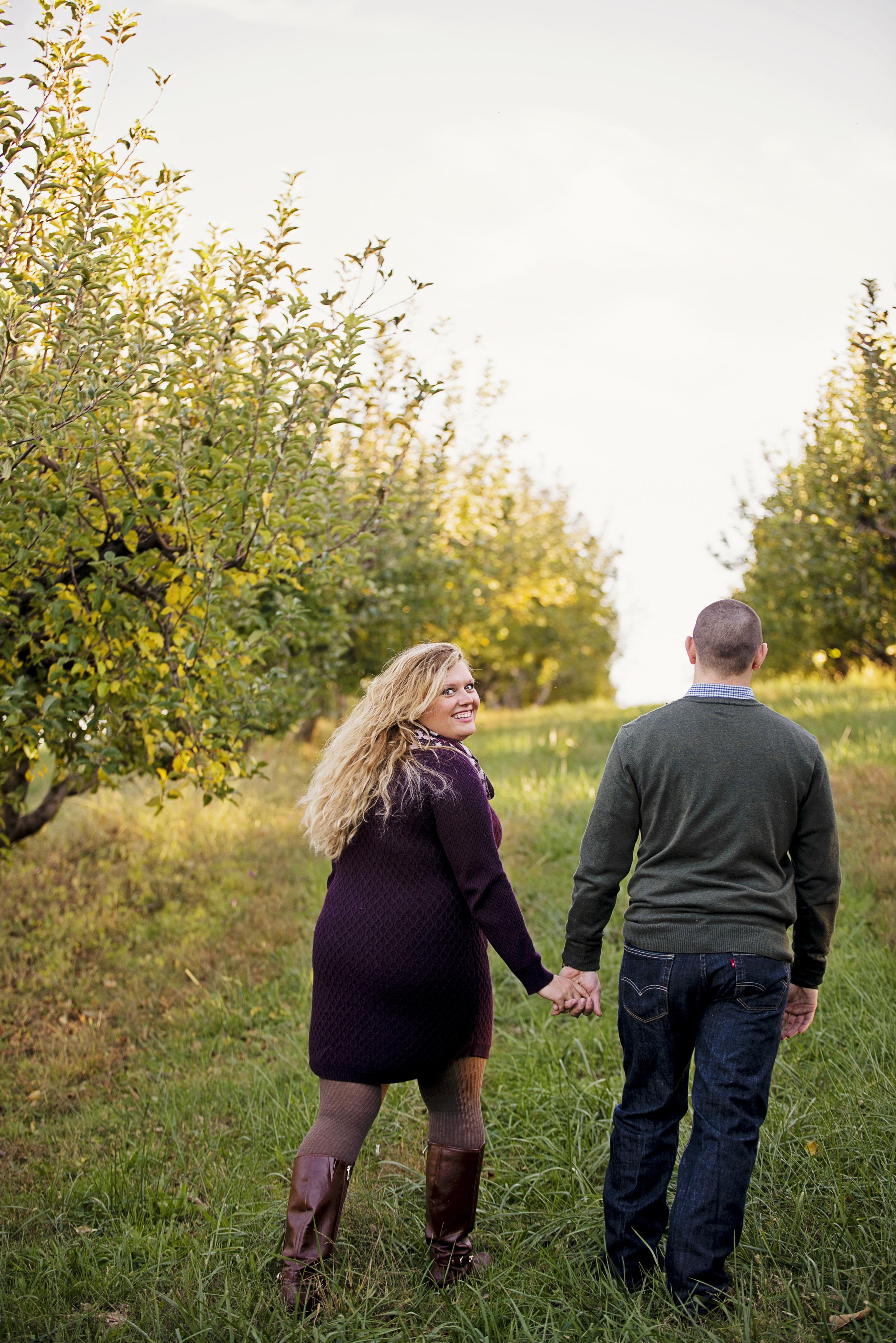 fall_romantic_orchard_engagement_session_lynchburg_va007.jpg